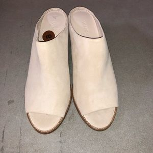 VINCE Vedra Suede Mule Sandals in sandstone size 8